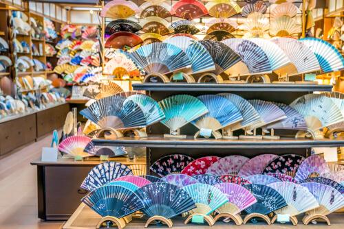 外国人におすすめの日本のお土産「うちわ・扇子」